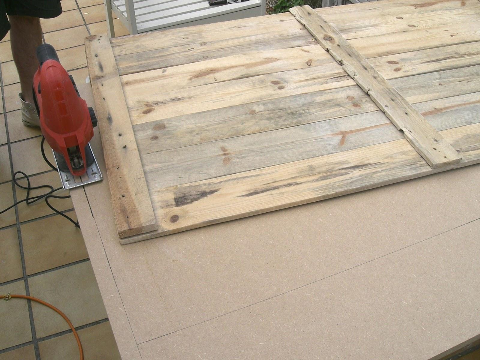 gabulle in wonderland transformer une palette en table basse. Black Bedroom Furniture Sets. Home Design Ideas