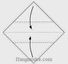 Bước 2: Gấp hai góc giấy vào trong.