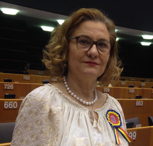 EUROPARLAMENTARUL MARIA GRAPINI PARTICIPĂ LA CONGRESUL MONDIAL AL EMINESCOLOGILOR!