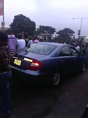 Photos: Man dies in Lagos after being hit by a bus while chasing another vehicle that bashed his car