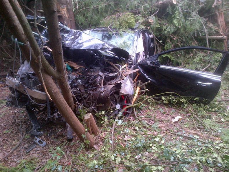 Mercedes-Crash-4.jpg