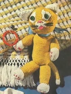 http://translate.googleusercontent.com/translate_c?depth=1&hl=es&prev=/search%3Fq%3Dhttp://www.knotyournanascrochet.com/p/free-patterns.html%26safe%3Doff%26biw%3D1429%26bih%3D984&rurl=translate.google.es&sl=en&u=http://www.antiquecrochetpatterns.com/crochet-cat.html&usg=ALkJrhgq4vS_nlDf4Zp7AhmKCGmvYLUnHQ