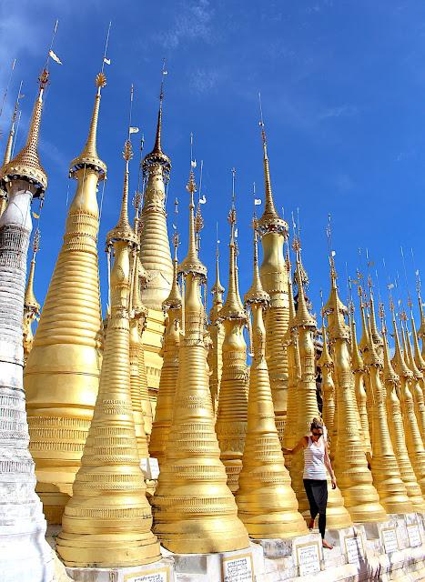 Stupa d'In Dein sur le lac Inlé en Birmanie