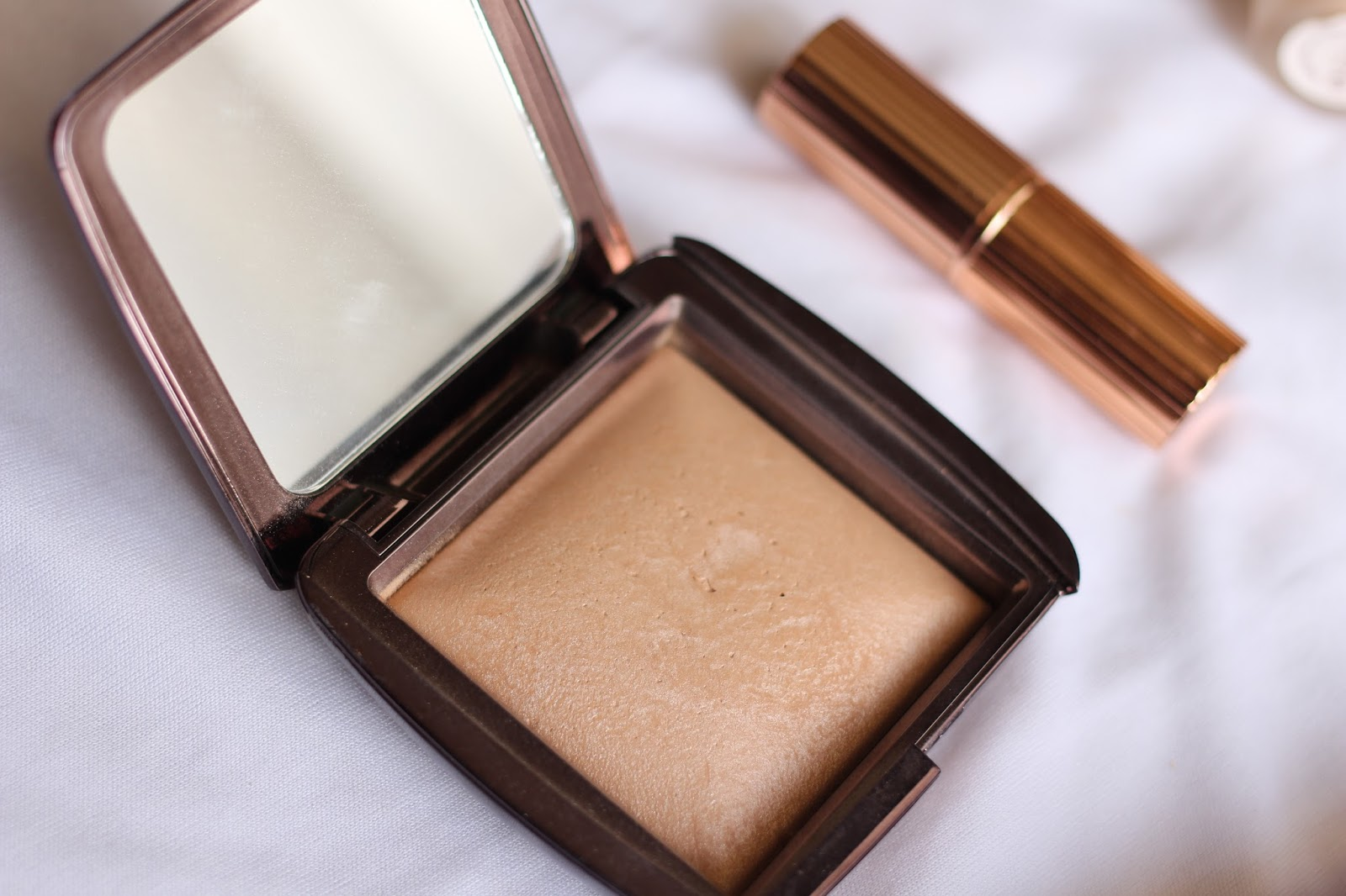 Hourglass Ambient Lighting Luminous