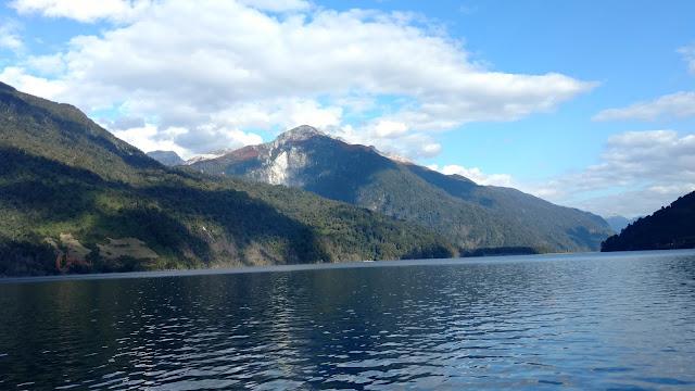 crossing Lago Todo los Santos