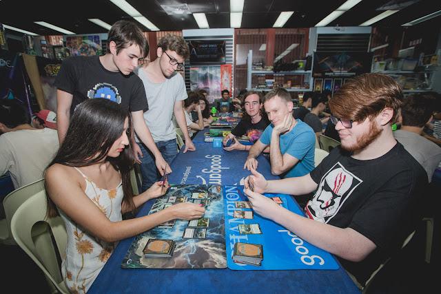 Aprende a jugar a Magic: the Gathering este fin de semana en Magic Open House, ¡con mazo de regalo!