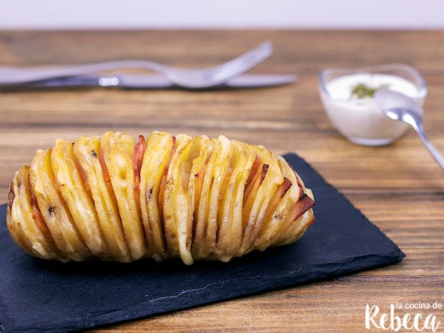 Patatas hasselback con cheddar y bacon