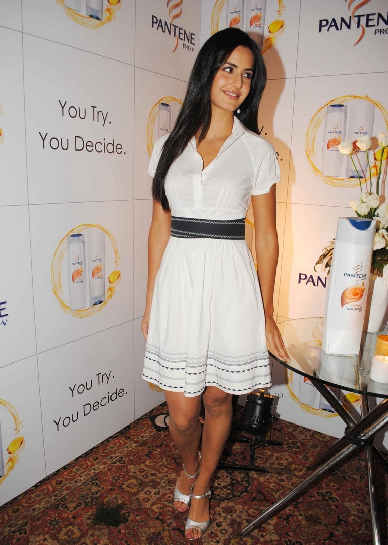 Bollywood Actress Katrina Kaif Hot Legs Thigh Show In Short White Frock