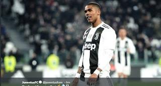 Gelandang Juventus, Douglas Costa merayakan gol yang dicetaknya ke gawang Chievo dalam pertandingan Liga Italia. - Foto: Juventus FC