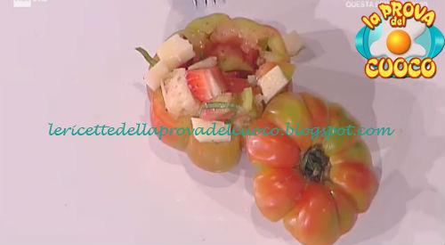 Prova del cuoco - Ingredienti e procedimento della ricetta Panzanella nel pomodoro di Cesare Marretti