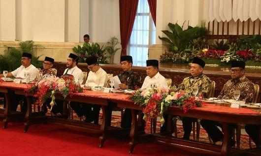 Buka Puasa Bareng Fahri-Zulhas, Jokowi Tegaskan Serius Pindahkan Ibu Kota