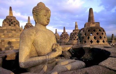 Gambar Stupa Candi Borobudur