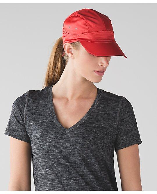 lululemon  race-to-place-hat alarming