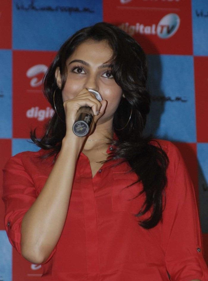 Vishwaroopam 2 Actress Andrea Jeremiah Unseen Pics!