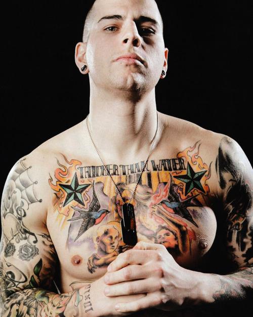 Only Avenger: Tatuagens de M  Shadows