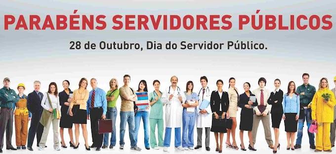 No dia do servidor publico o que podemos comemorar depois desta noticia? AGORA É ARROCHO: STF decide que governo deve cortar salários de servidores grevistas.