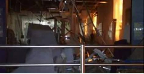 Bandidos explodem caixas eletrônicos de duas agências em Pão de Açúcar