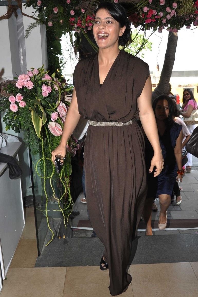 Indian Glamours Women Kajol Hot Smiling Face Photoshoot In Black Dress