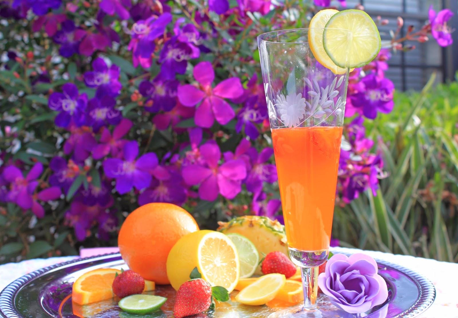 Blogger Mash Elle shares an easy 5 calorie cocktail recipe