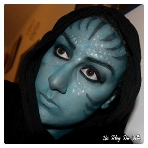 http://unblogdefille.blogspot.fr/2011/10/halloween-makeup-avatar.html