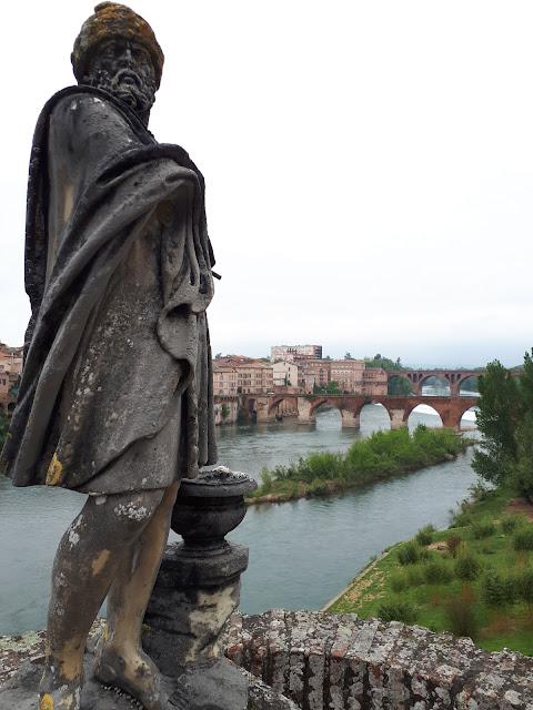 View over the river tarn from Palais de la Berbie in Albi, Occitanie