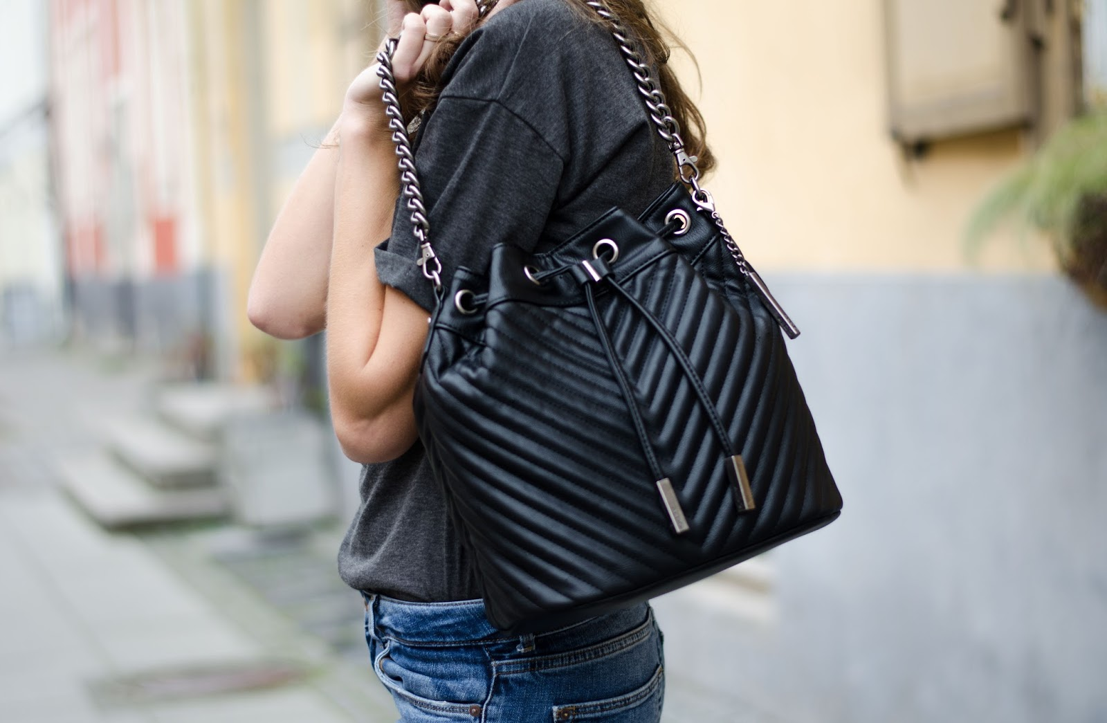 aldo black structured bucket bag