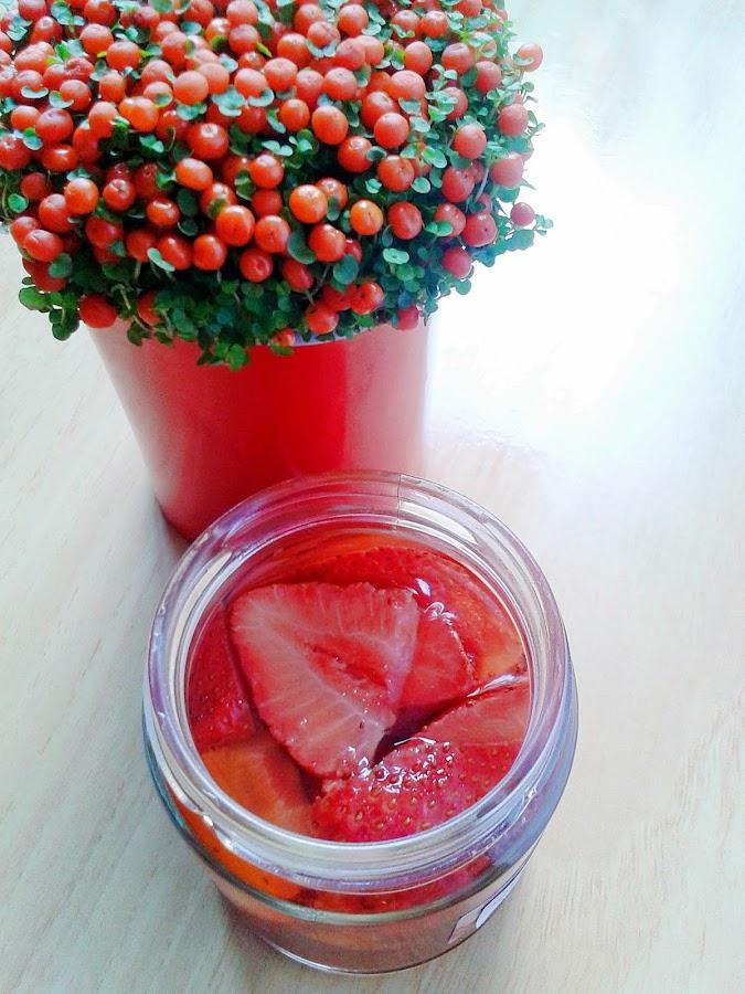 strawberry infused vinegar