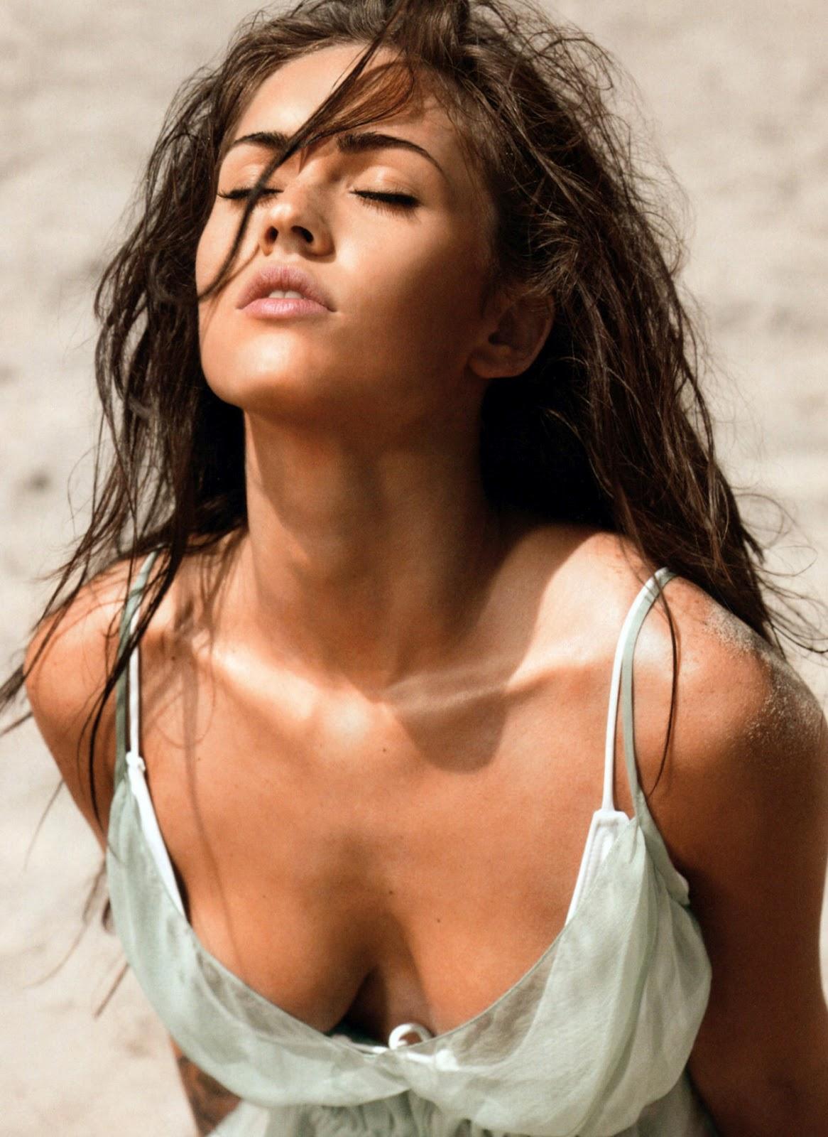 hot wallpaper: Megan Fox Boobs