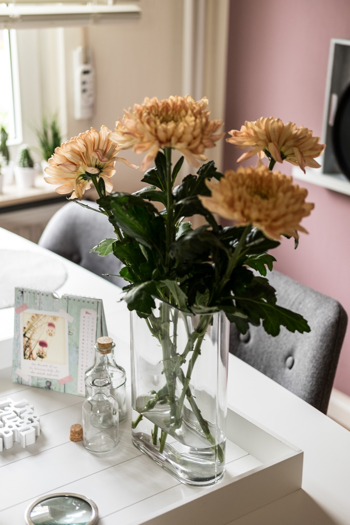 Blumendeko mit Chrysanthemen by fim.works