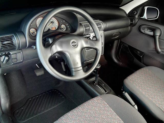 Chevrolet Classic 2005 Automático - interior
