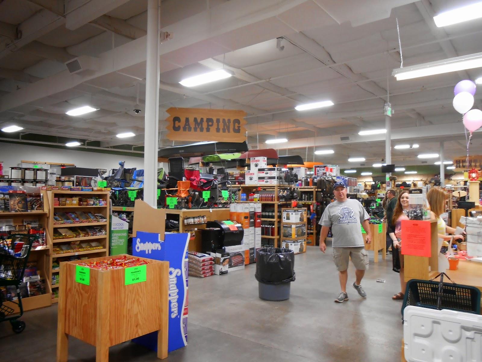 warehouse sportsman sportsmans shopping rivergate center rancho cordova hayden business