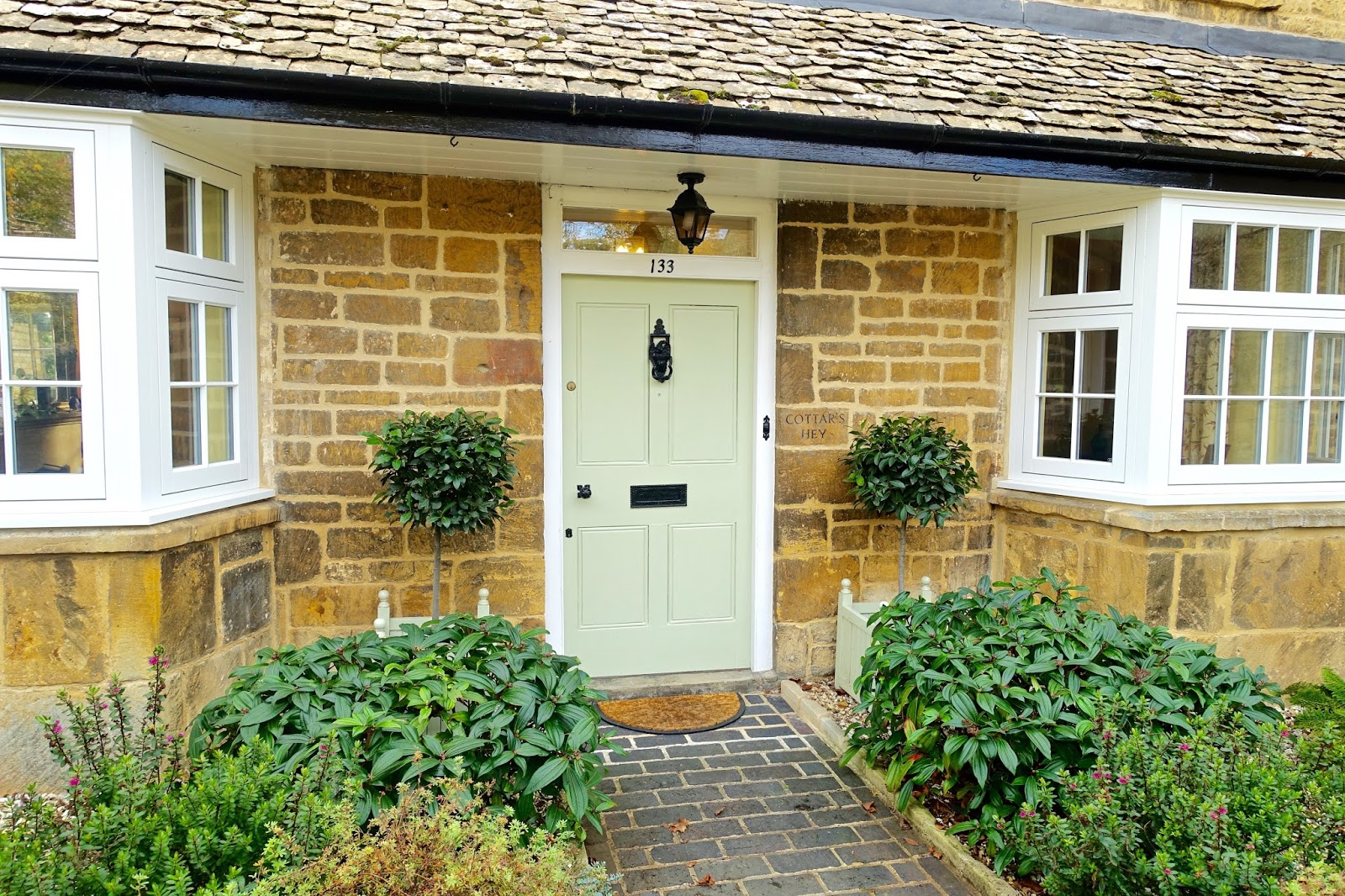 beautiful houses in the cotswolds