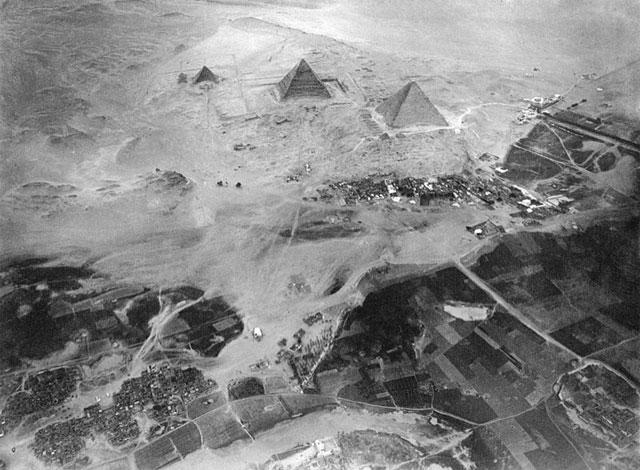 piramida-dari-atas