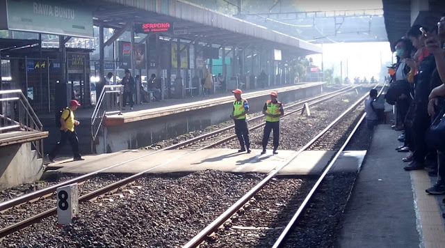 Stasiun KRL Rawa Buntu