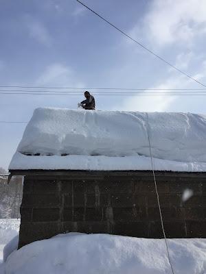 石倉の雪おろし