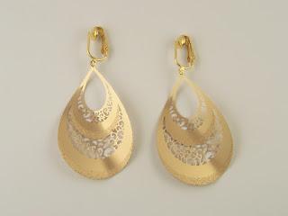 http://www.thecliponearringstore.com/trend-setter-curved-teardrop-goldtone-clip-on-earrings.html