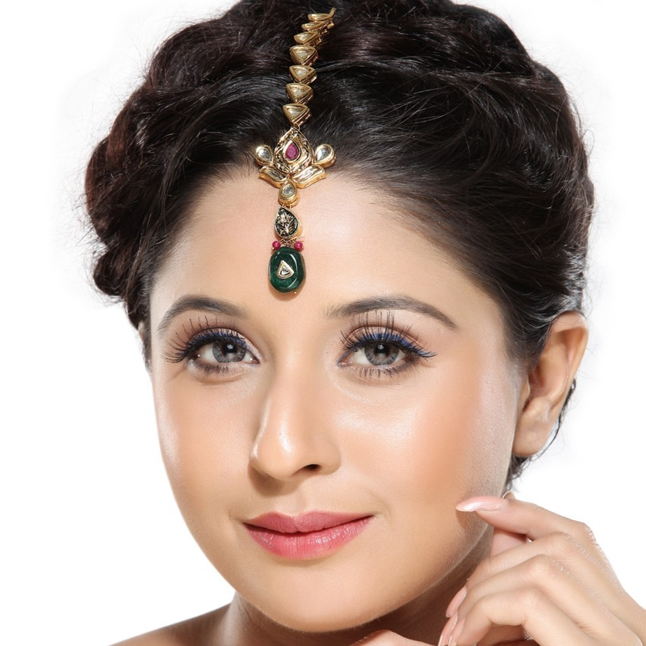 bridal hairstyle for broad forehead: bridal hairstyles for broad