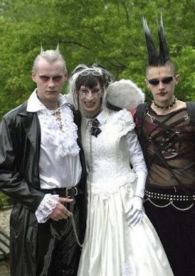 Gothic Hochzeit Braut und Bräutigam