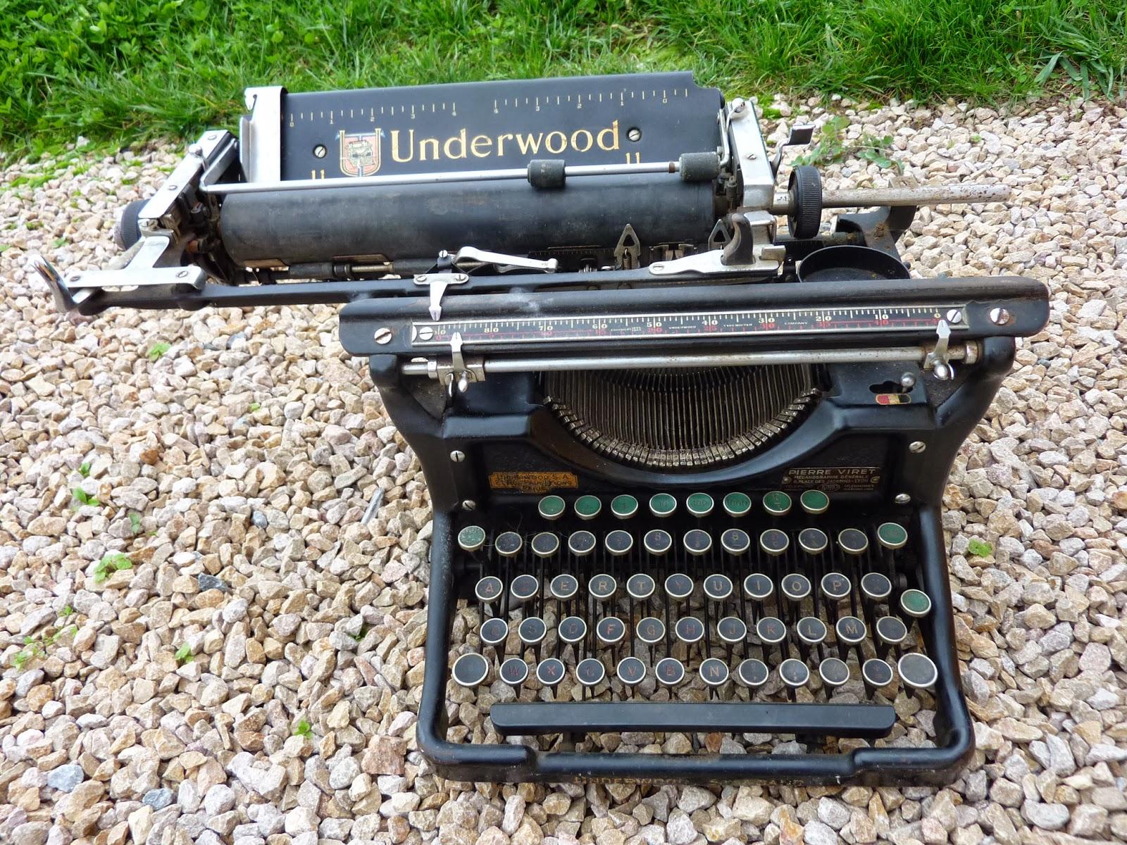 dressing grenier ancienne machine crire underwood