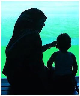 Ibu+dan+Anak Kisah Manusia Penghuni Langit
