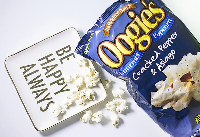 Oogie's Gourmet Popcorn Review + GIVEAWAY