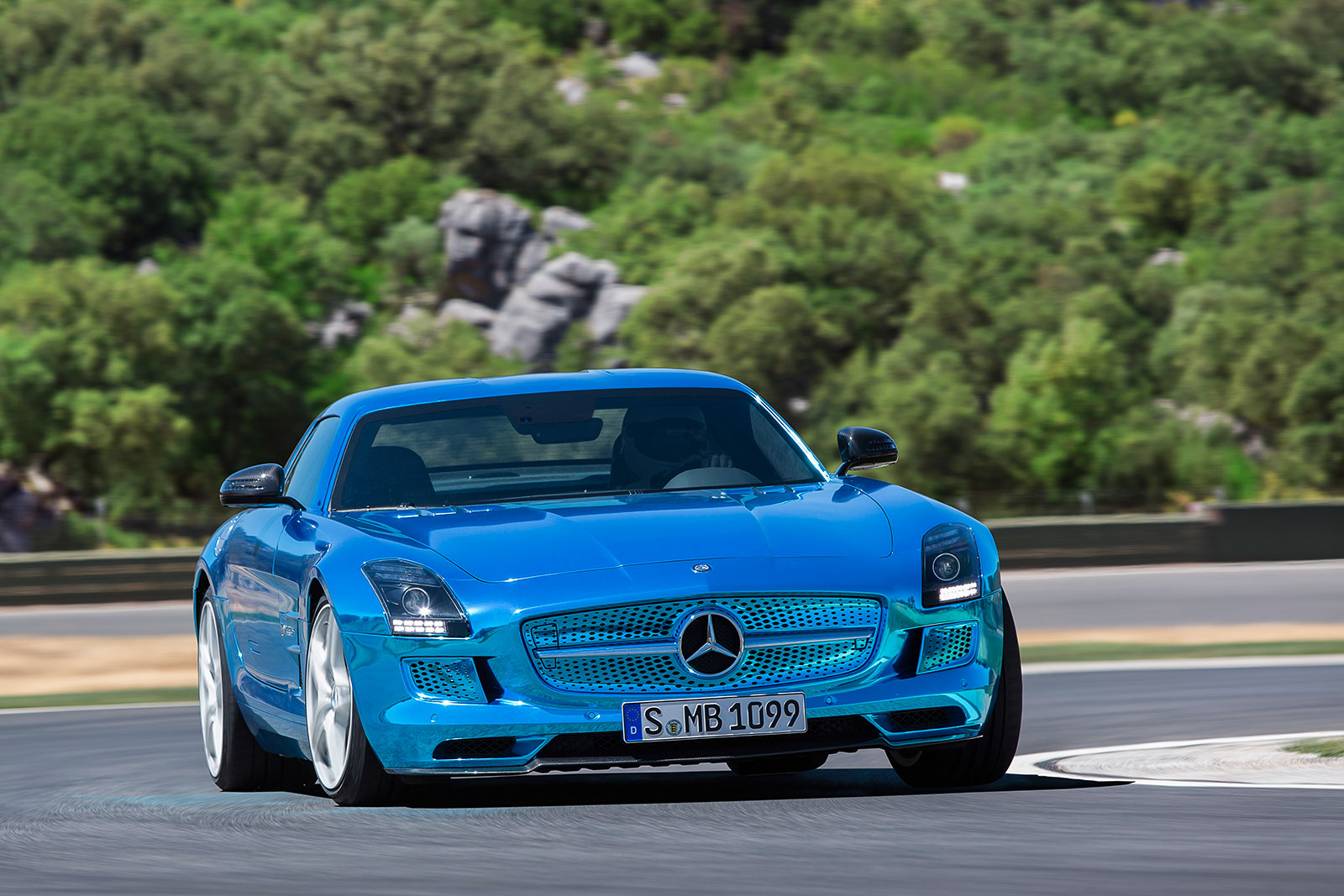 Electric vehicle news for Mercedes benz electric sls