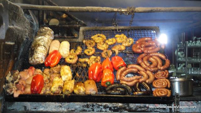 Parrilada no Mercado del Puerto - Montevidéu, Uruguai