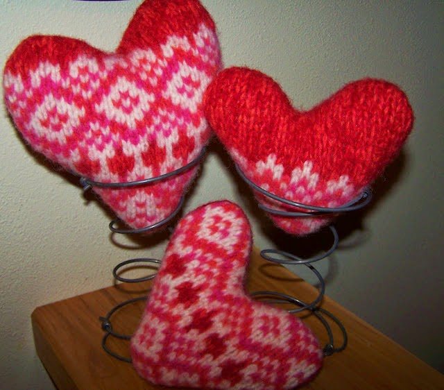 Love and Hearts, Valentine Ideas, http://bec4-beyondthepicketfence.blogspot.com/2015/01/love-hearts-dozen-ideas.html