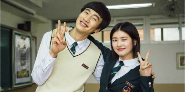 Rilis Foto Lee Kwang Soo dan Jung So Min Kenakan Seragam Sekolah Drama 'Sound of Heart'