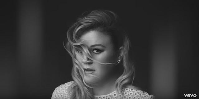 Kelly Clarkson - Piece by Piece [ Lyrics ]