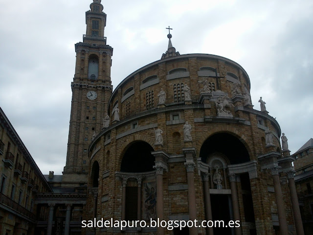 universidad-laboral-gijón-iglesia