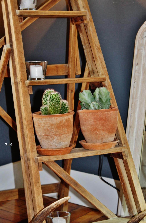 Sietecuatrocuatro escalera antigua de madera de pino - Escalera de madera pintor ...