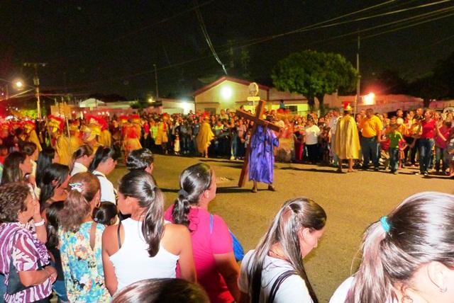 con-viacrucis-inician-actos-de-semana-santa-en-la-villa-fotos