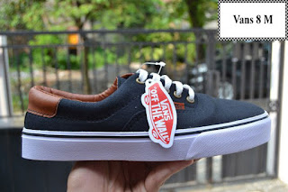 Vans Sepatu, Sepatu vans, Vans Original, Vans Old Skool, Vans Murah, Vans Terbaru, Jual Vans, Harga Sepatu Vans, Vans Authentic, Vans Indonesia,